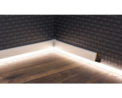 led kanal f r led sockelleiste opal 22x22x2500 mm jetzt. Black Bedroom Furniture Sets. Home Design Ideas